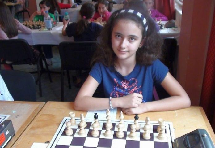 O elevă de doar 13 ani, din Iași, este noua campioană mondială la șah! Merită toate aprecierile noastre.